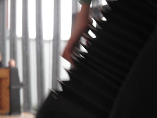 Akkordeonspielerin im Bewegungsstudio der HMT Rostock