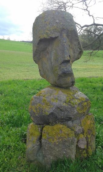 """""""Kopf"""" Granitskulptur von Jim Schütz 2005, Skulpturenpark Hohen Demzin"""