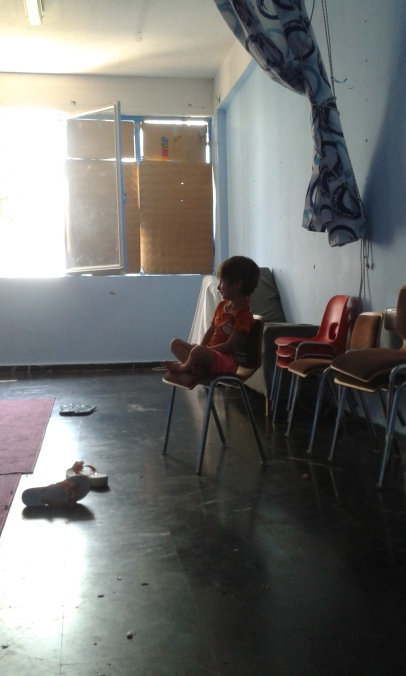 young resident watching movement class in Oinofyta