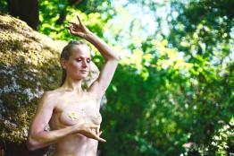 Tanz mit Lucia Peters Energiearbeit Souldance Adriatica Bodyart